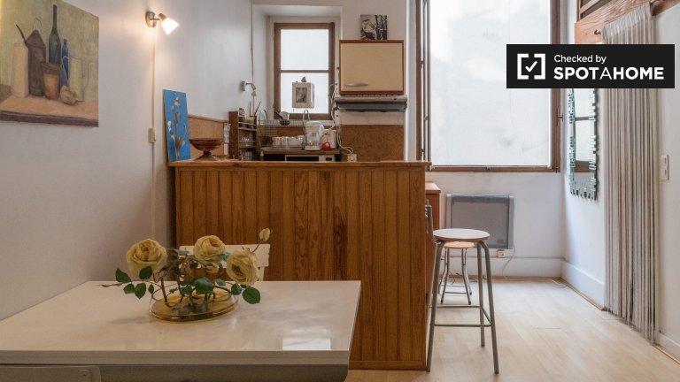 Studio à louer à 6ème arrondissement, Paris