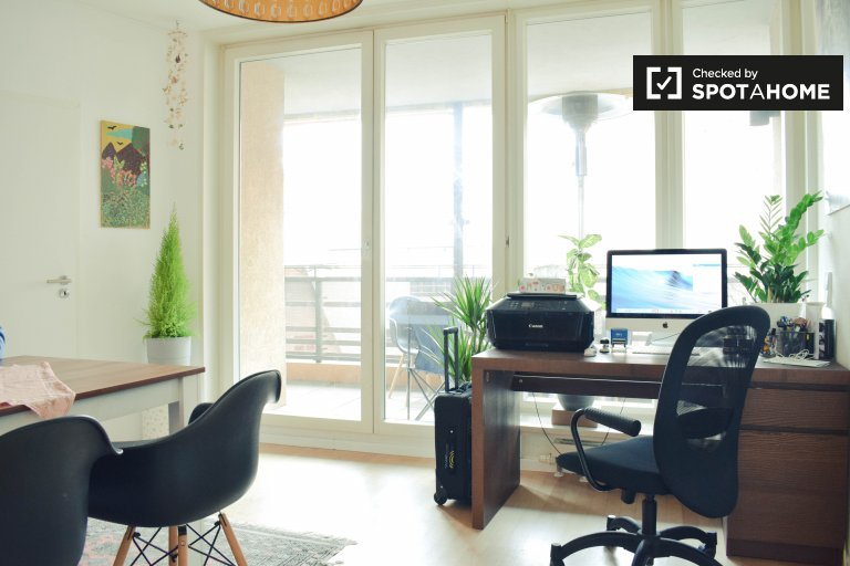Room for rent in contemporary apartment in Mitte, Berlin