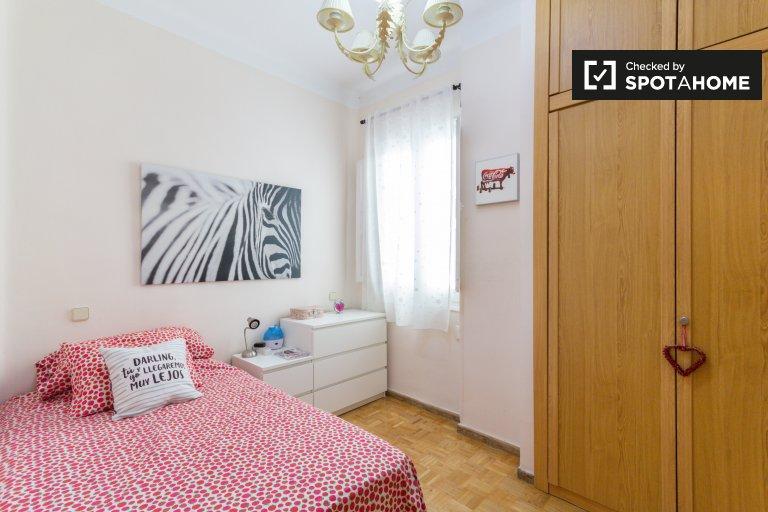 Pokój do wynajęcia w przytulnym 2-pokojowym mieszkaniu w Salamance