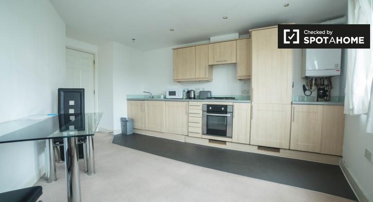 Przestronny apartament z 2 sypialniami do wynajęcia w Barking