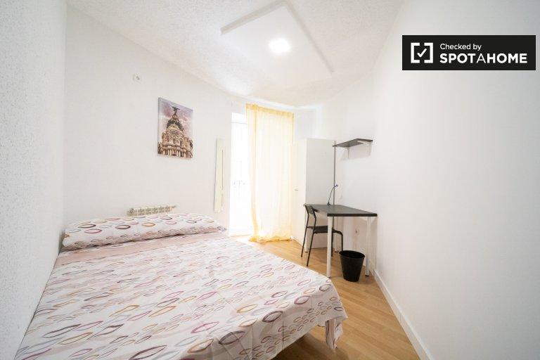 Helles Zimmer zu vermieten, 11-Zimmer-Wohnung, Centro, Madrid