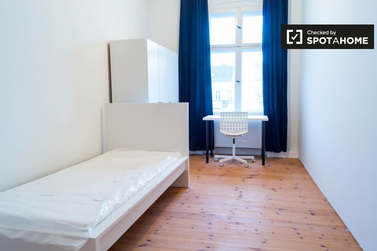 Sunny room for rent in Friedrichshain, Berlin