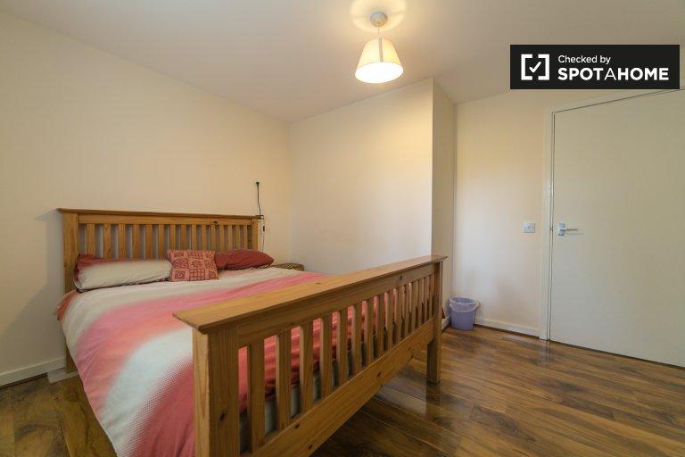 Camera in affitto nel moderno appartamento con 2 camere da letto di Maxey Rd