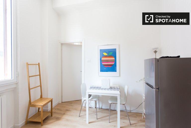 Apartamento de 1 quarto arrumado para alugar em Corvetto, Milão