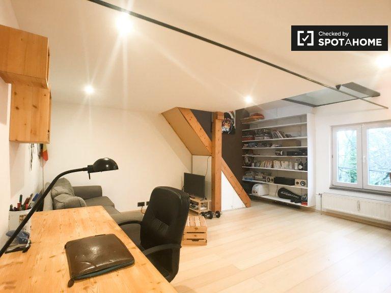 Moderno apartamento de 1 dormitorio en alquiler, Uccle, Bruselas