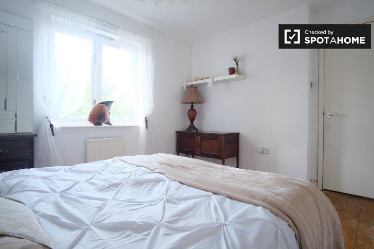 Chambre lumineuse dans un appartement partagé avec 4 chambres à Hackney, Londres