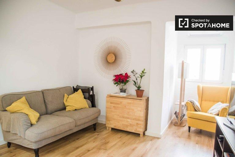 Ciutat Vella kiralık şık 2 yatak odalı daire