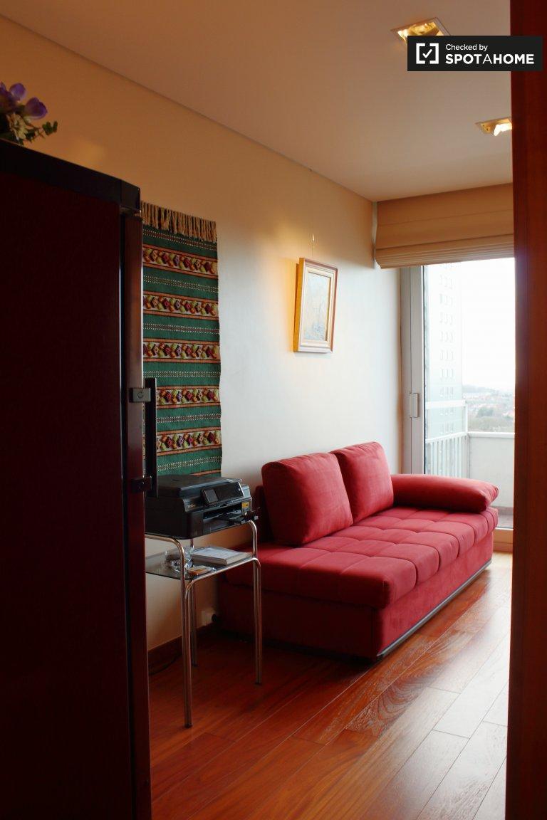 Luminosa camera in appartamento con 2 camere da letto a Molenbeek, Bruxelles