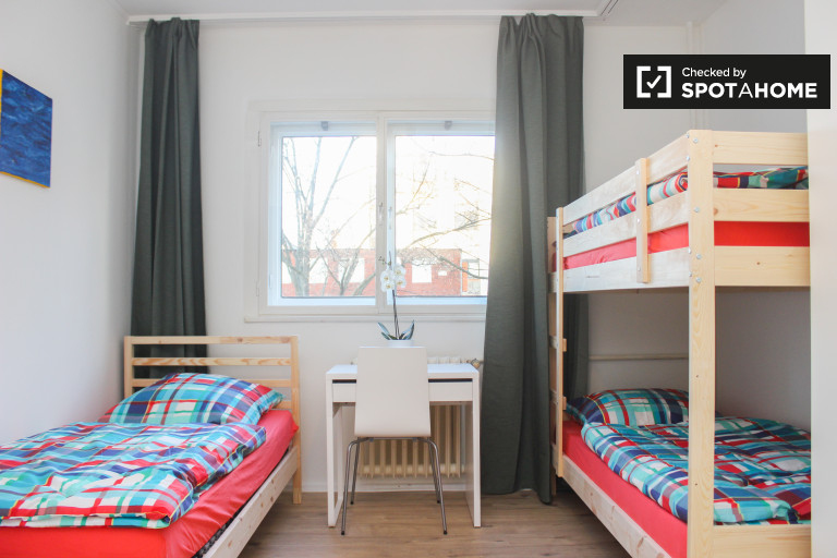 Bunk Beds in Rooms for rent in renovated 3-bedroom apartment in Tempelhof, next to Tempelhofer Feld