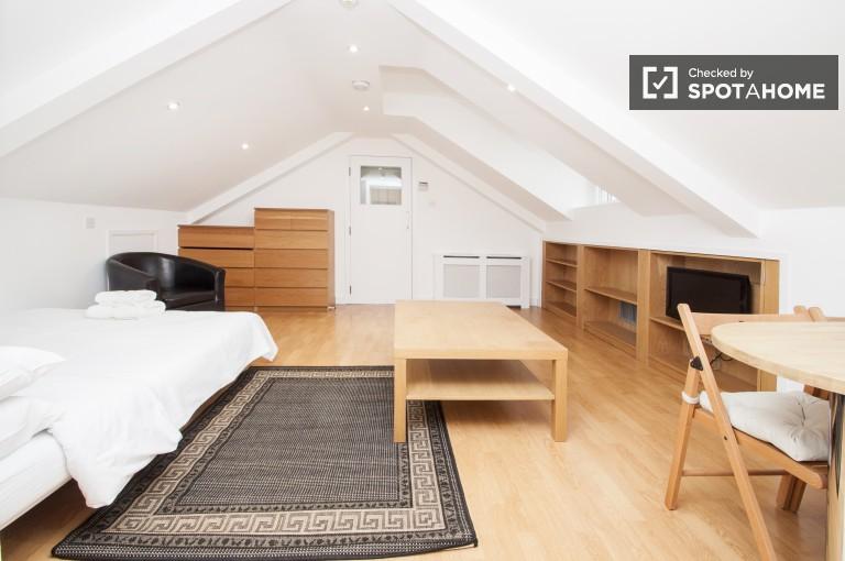 Estúdio brilhante e acolhedor para alugar em Hammersmith, Londres