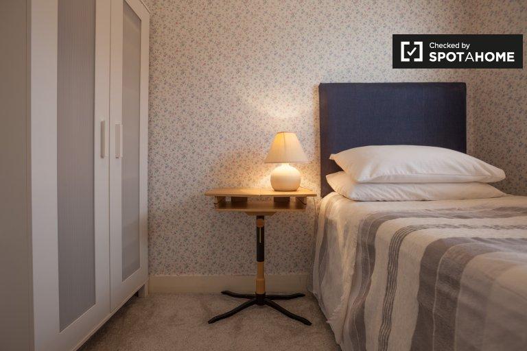 Stanza da affittare in una casa con 3 camere da letto a Walkinstown, Dublino