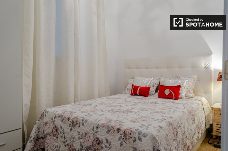 Quarto para alugar, apartamento com 3 camas, Extramurs relaxado, Valência