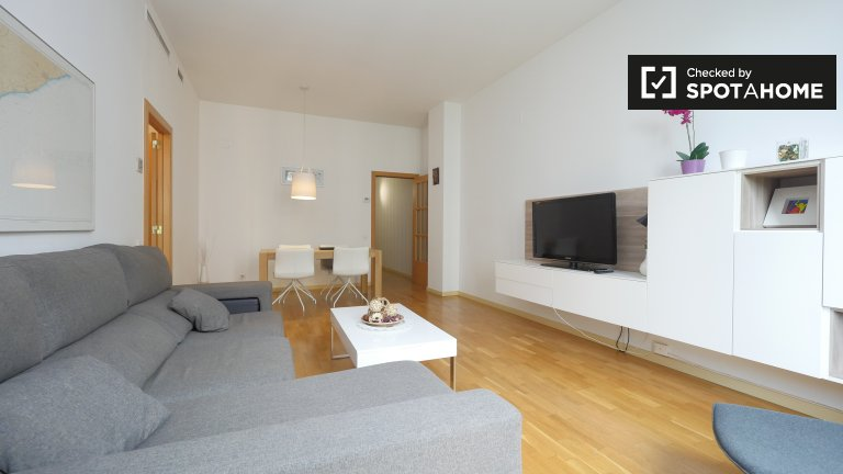 Bright 3-bedroom apartment for rent in Eixample, Barcelona