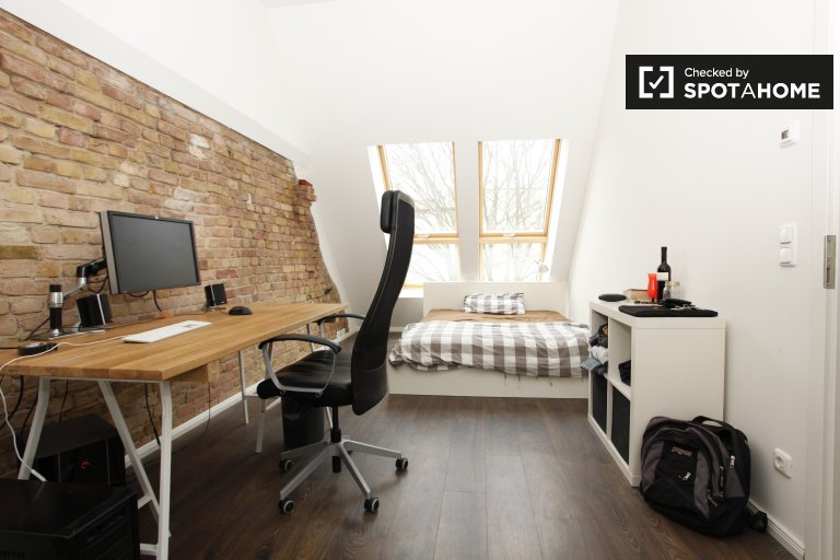 Double Bed in Room for rent in a spacious and stylish 2-bedroom apartment in Prenzlauer Berg