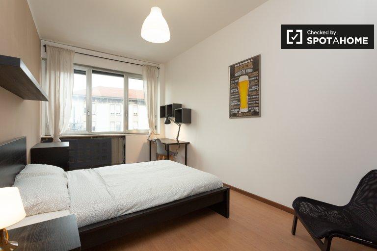 Gemütliches Zimmer in 12-Zimmer-Wohnung in Villa San Giovanni