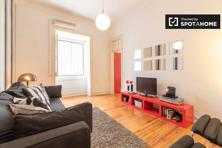 Elegancki apartament z 2 sypialniami do wynajęcia w Misericordia w Lizbonie