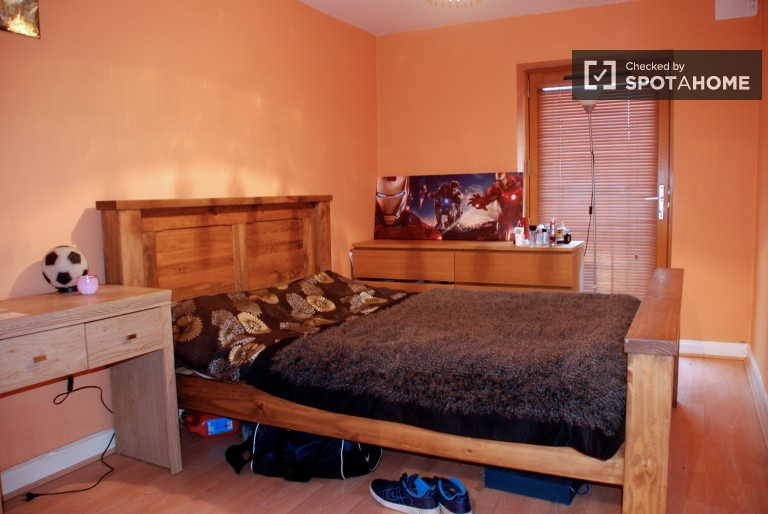 Bedroom 2 - Double Bed, Balcony Access