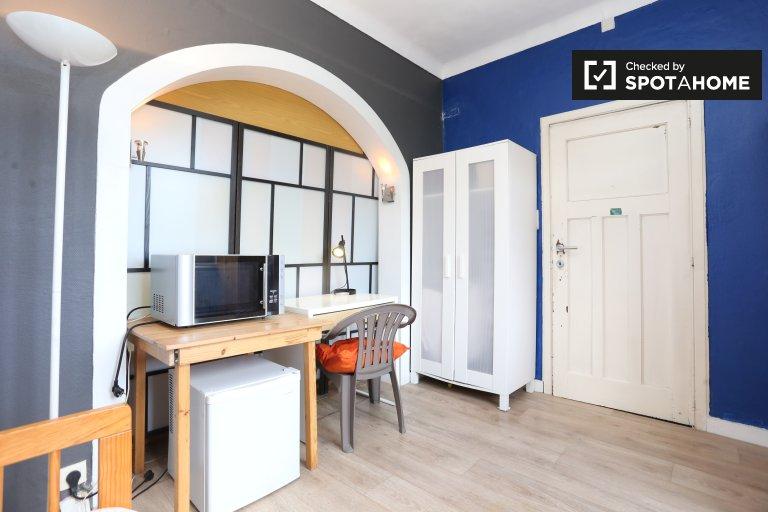 Chambre extérieure dans un appartement de 4 chambres à Auderghem, Bruxelles