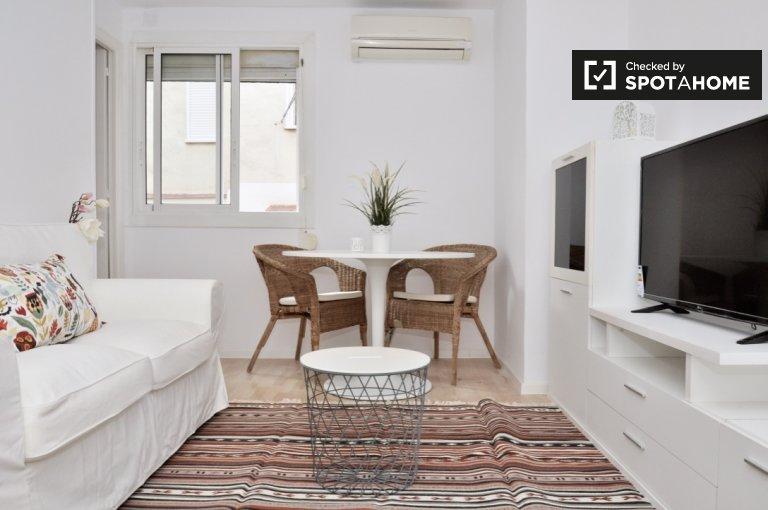 Nette 2-Zimmer-Wohnung zur Miete in Hospitalet, Barcelona