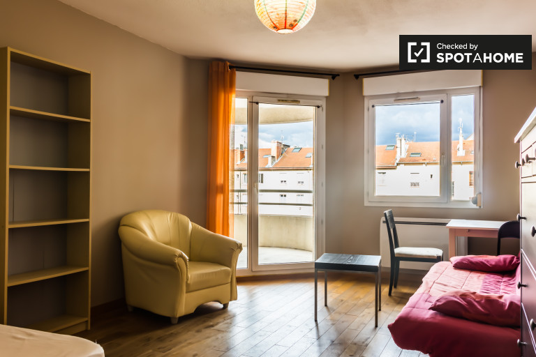 2-bedroom apartment with dishwasher for rent in Villeurbanne
