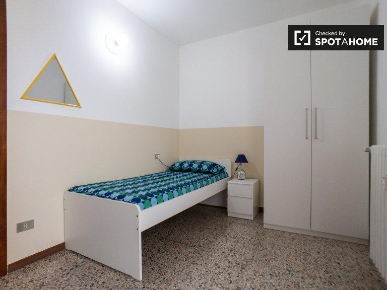 Bonita habitación en alquiler en Forze Armate, Milán.
