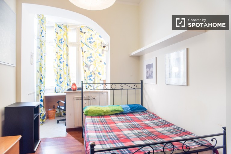 5 Rooms in apartment with balcony for rent in Aurelio, Rome