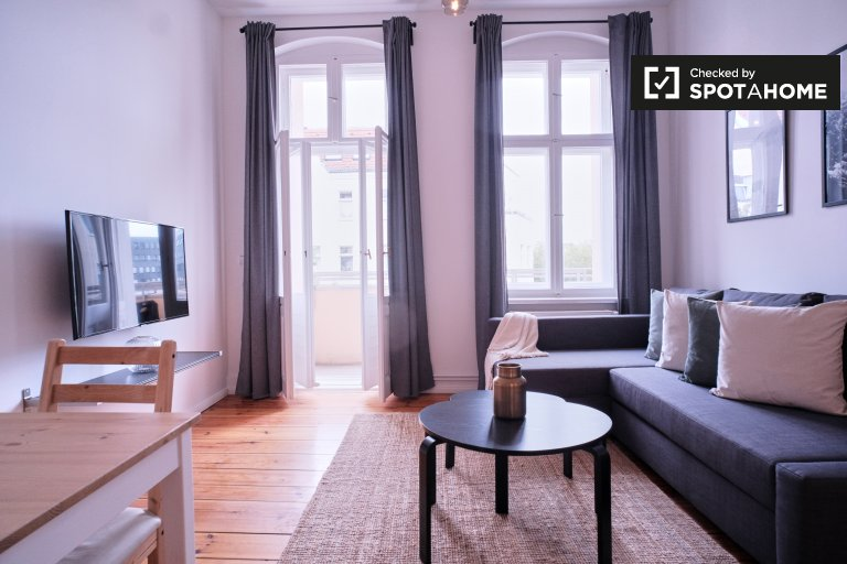 Quiet apartment with 2 bedrooms to rent in Charlottenburg