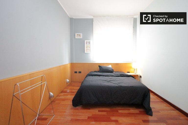 Light room in shared apartment in Villa Olímpica, Barcelona