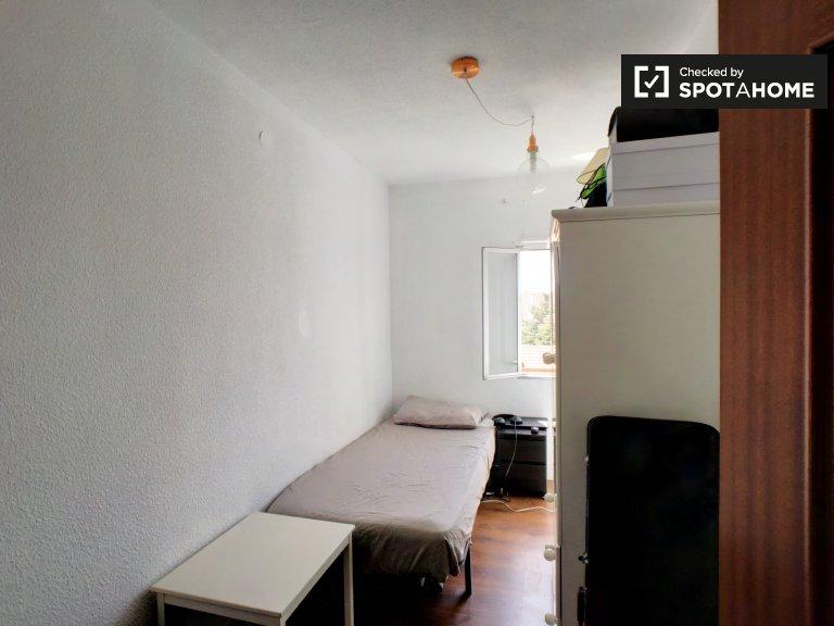Przytulny pokój do wynajęcia w Pinar del Rey w Madrycie