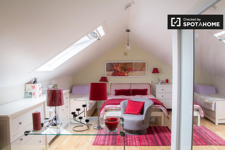Großes Zimmer in 3-Zimmer-Wohnung in Rathgar, Dublin