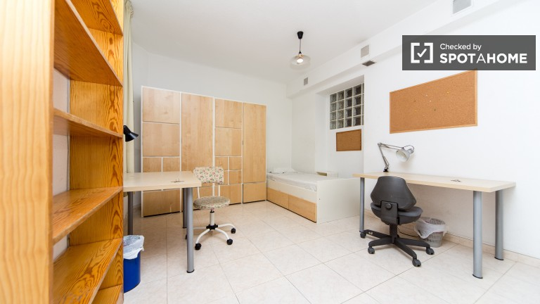 Exterior twin room
