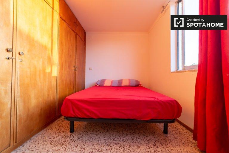Room in 5-bedroom house in Estoril, Lisboa