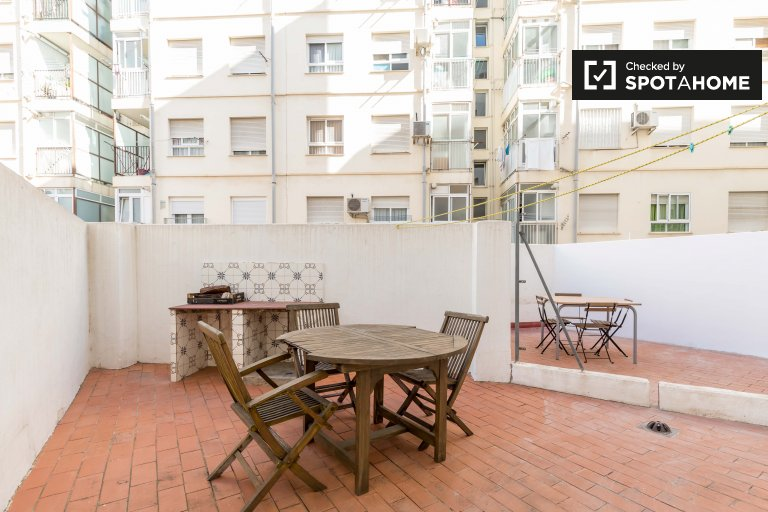 Lovely room for rent in L'Olivereta, Valencia