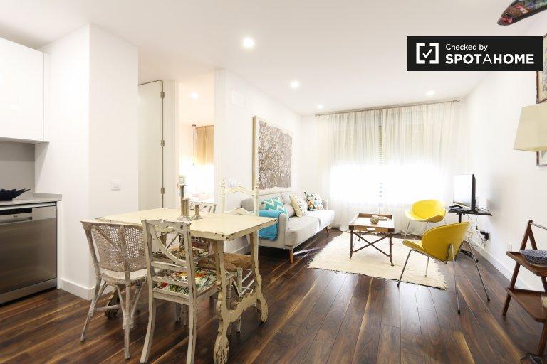 Stylowy 2-pokojowy apartament do wynajęcia w Moncloa w Madrycie