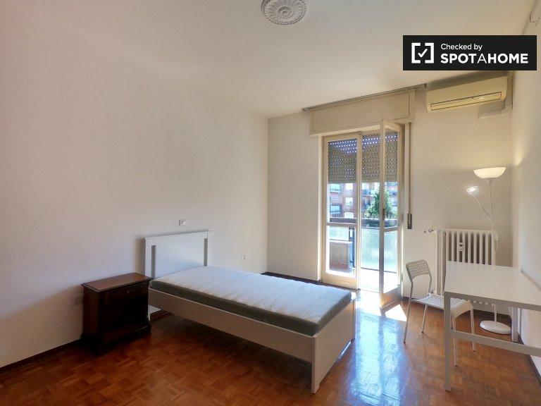 Amplia habitación en alquiler en Affori, Milán