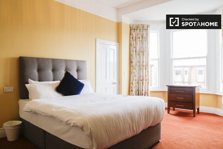 Camere in affitto in casa con 7 camere da letto a Drumcondra, Dublino