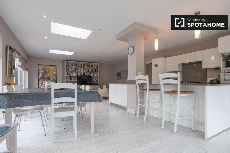 Chambre de charme à louer dans une maison de 5 chambres à Ballsbridge