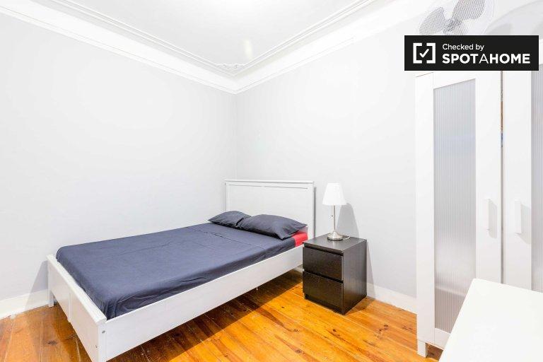 Zimmer in einem Apartment mit 4 Schlafzimmern in Misericórdia, Lissabon