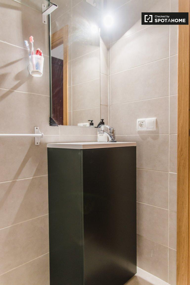 3-bedroom apartment for rent in Patraix