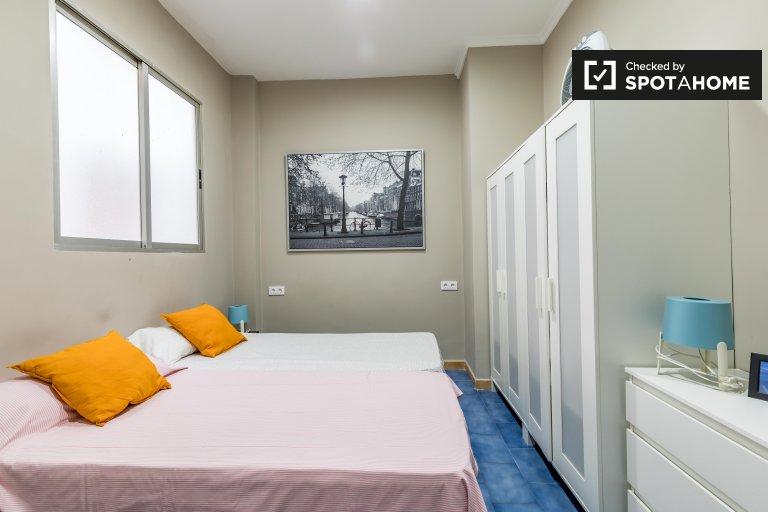 Przytulny pokój w apartamencie z 7 sypialniami w Ciutat Vella w Walencji