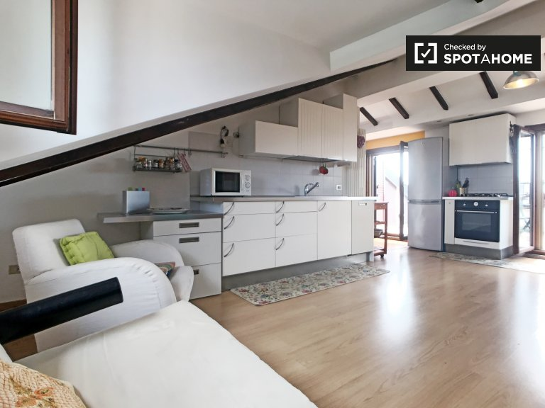 2-bedroom apartment with terrace for rent in San Siro, Milan