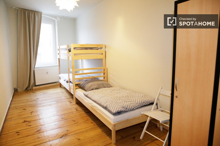 Bedroom 2 - single bed 1