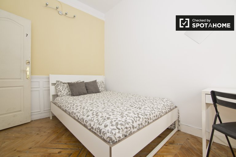 Bedroom 7 - Double bed