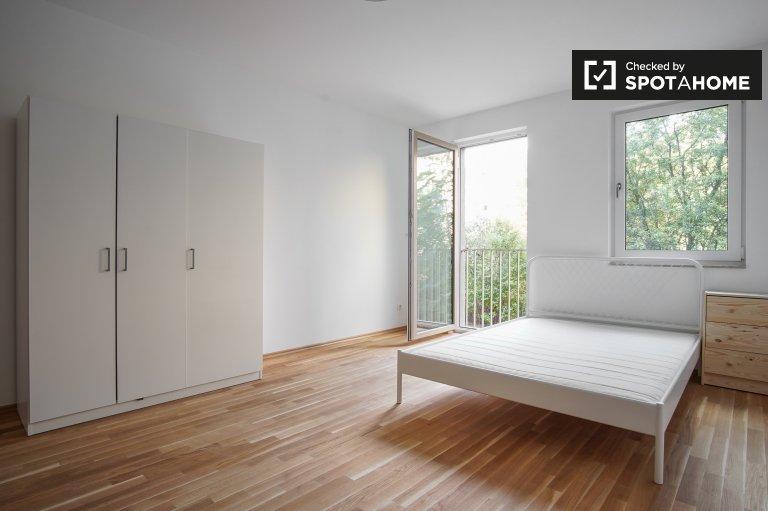 Komfortowy pokój w czteropokojowym apartamencie w Köpenick, Berlin