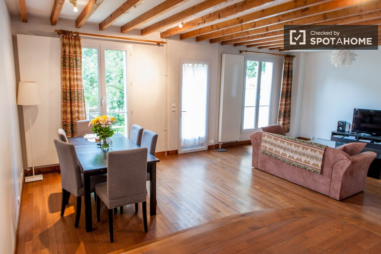 Elegant and spacious 165m2 4-bedroom house for rent in Chaville