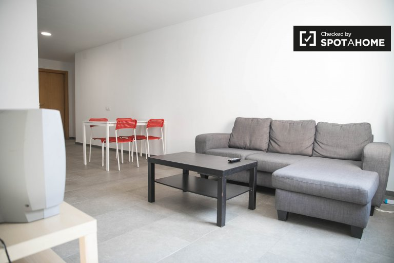 Modern 2-bedroom apartment for rent in Olivereta, Valencia