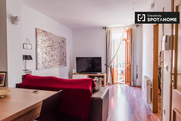 3-bedroom apartment for rent in Eixample, Valencia