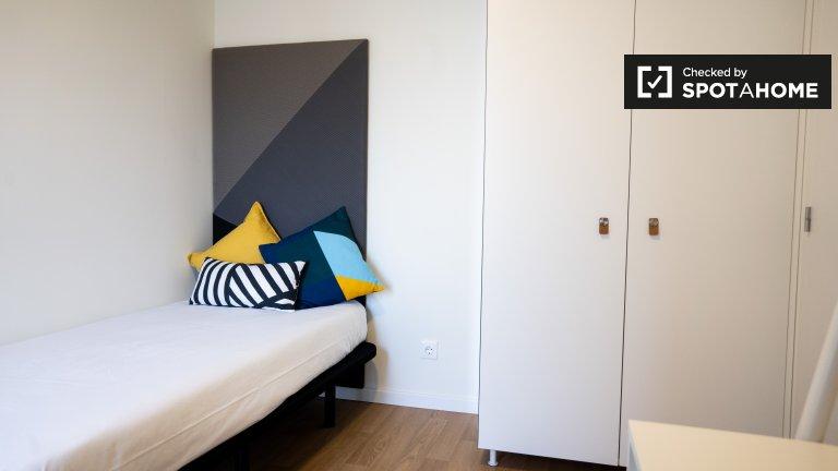 Aluga-se quarto numa residência em Paranhos, Porto