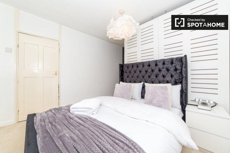 Londra, Hanwell'deki 2 yatak odalı evde kiralık oda