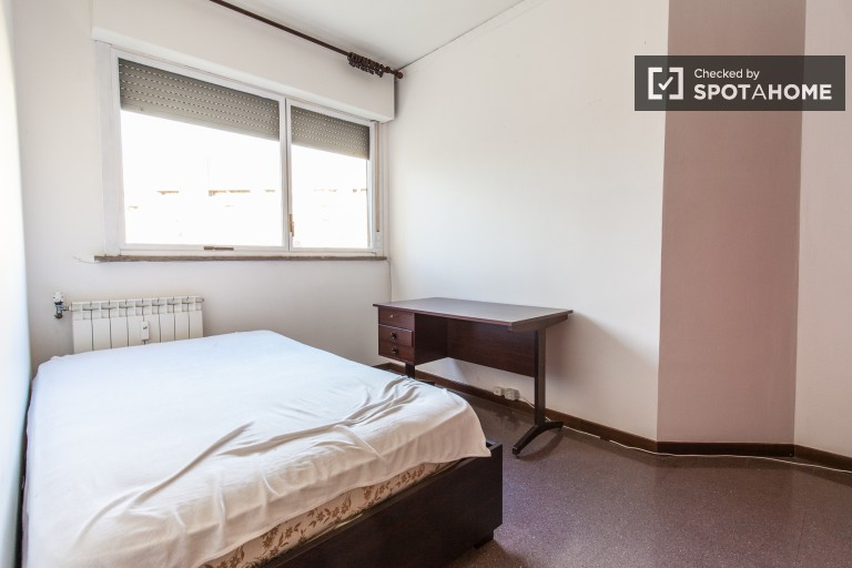 Bedroom 2 with large single bed